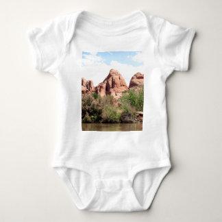 El río Colorado cerca de Moab, Utah 1 Body Para Bebé