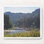 El río de Umpqua, Oregon Tapete De Ratón
