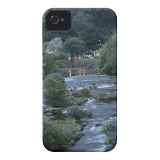 El río Dee, en Llangollen, Denbighshire, País de iPhone 4 Protector