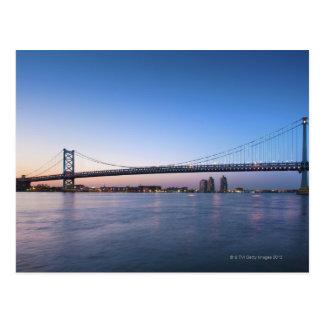 El río Delaware, puente de Ben Franklin Postales