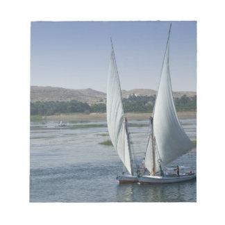 El río el Nilo y barcos de navegación usados como Libreta Para Notas