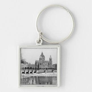 El río Isar en Munich, c.1910 Llavero Personalizado