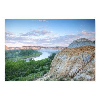 El río Little Missouri en el poco Fotografias