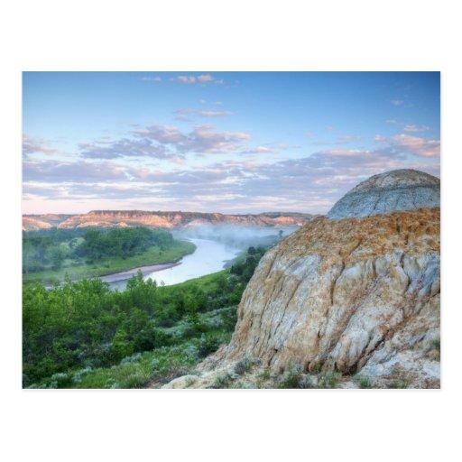 El río Little Missouri en el poco Postales