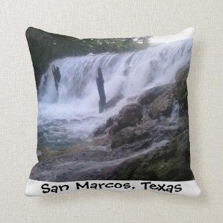 El río San Marcos cae almohada de MoJo