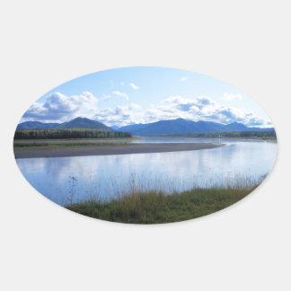 el río Yukón Alaska Pegatinas Oval Personalizadas