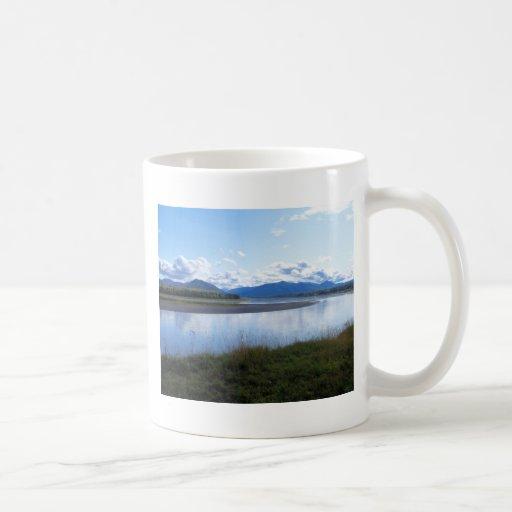 el río Yukón en ak del águila Tazas De Café