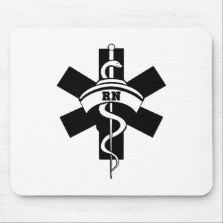El RN cuida símbolo médico Tapetes De Ratones
