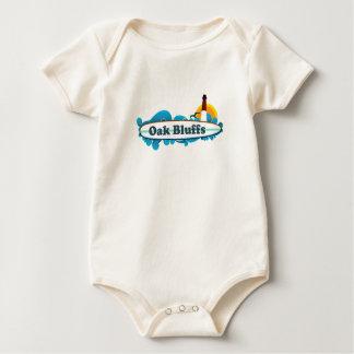 """El roble fanfarronea a diseño de la """"resaca"""" traje de bebé"""