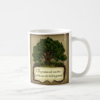 El roble más grande era una vez una pequeña nuez taza de café