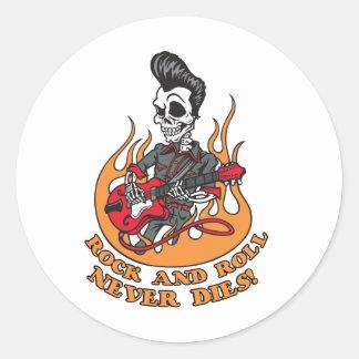 El rock-and-roll nunca muere guitarra esquelética pegatina redonda