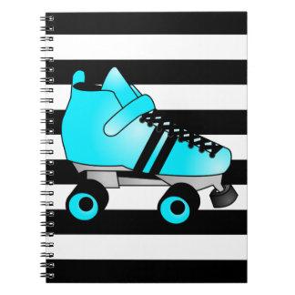 El rodillo Derby patina azul y negro Libreta Espiral