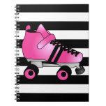El rodillo Derby patina rosa y negro Libretas