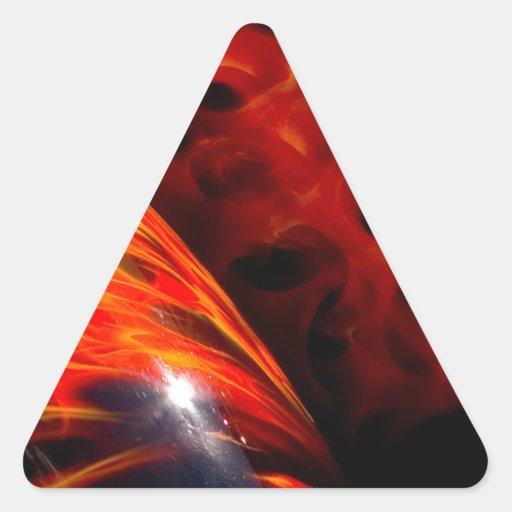 El rojo anaranjado flamea el parachoque clásico pegatina triangular