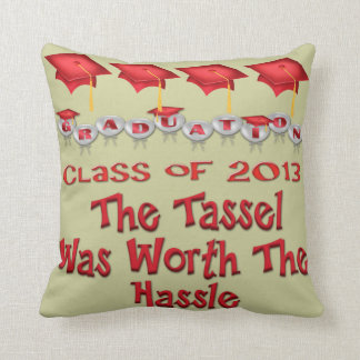 El rojo capsula la borla digno de la almohada de cojín decorativo