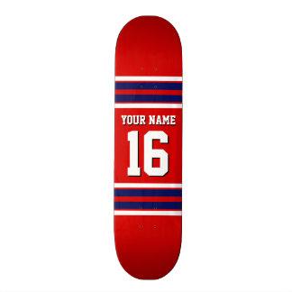 El rojo con blanco de la marina de guerra raya el skateboards