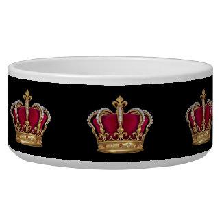 El rojo de la corona crea sus cuencos del perro ca comedero para mascota