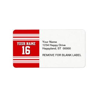 El rojo deportivo de muy buen gusto con blanco etiquetas de dirección