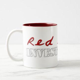 El rojo enarena las tazas del logotipo