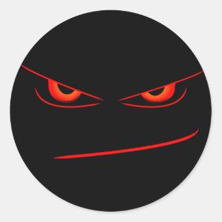 el rojo malvado observa el sello pegatina redonda