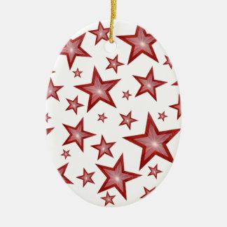 El rojo protagoniza blanco oval del ornamento ornamentos de reyes
