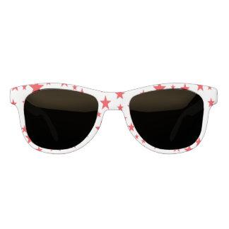 El rojo protagoniza las gafas de sol