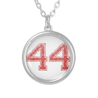 El rojo se divierte Jerzee número 44 Collar Plateado
