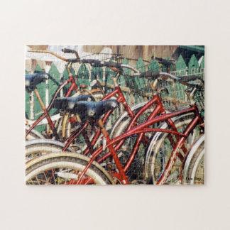El rompecabezas de las bicicletas del rojo