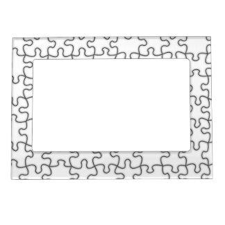 El rompecabezas junta las piezas (añada el color o marcos magnéticos de fotos