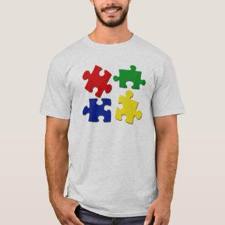 El rompecabezas junta las piezas de la camisa