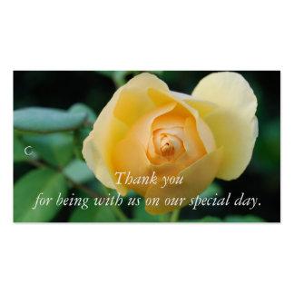 El rosa amarillo le agradece etiqueta del regalo tarjetas de visita