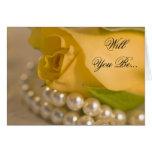 El rosa amarillo y las perlas sean mi dama de hono felicitación