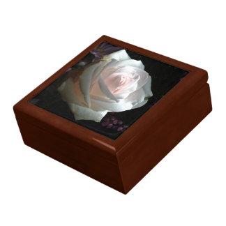 El rosa blanco - cajas de regalo