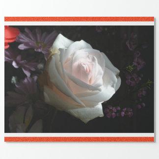 El rosa blanco - papel de regalo