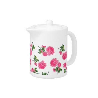 El rosa de jardín inglés florece la tetera blanca