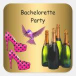 El rosa del fiesta de Bachelorette calza el pájaro Calcomanía Cuadradas