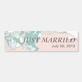 El rosa elegante de la menta se ruboriza boda de l pegatina de parachoque