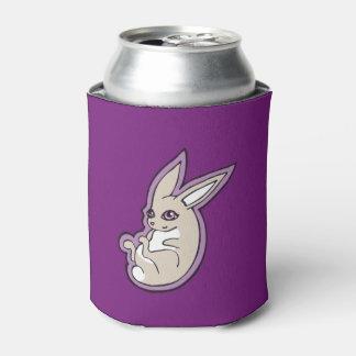 El rosa feliz del conejo de la lavanda observa enfriador de latas