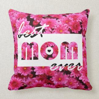 El rosa florece a la mejor mamá nunca cojín