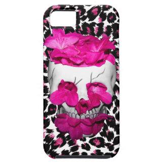El rosa florece el cráneo en puntos rosados del iPhone 5 carcasas