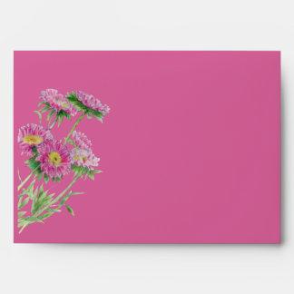 El rosa florece el sobre rosado de la tarjeta