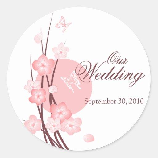 El rosa florece la invitación del boda de la pegatinas redondas