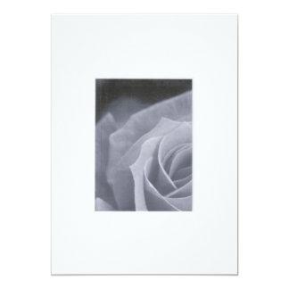 """El rosa negro y blanco invita invitación 5"""" x 7"""""""