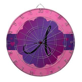 El rosa protagoniza el monograma tablero de dardos