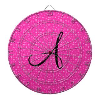 El rosa protagoniza los regalos del monograma tabla dardos
