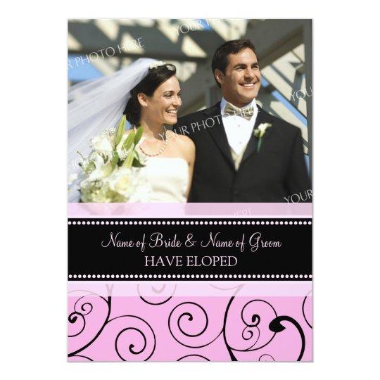 El rosa remolina las tarjetas de la invitación de