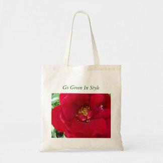 El rosa rojo macro, va verde en estilo bolsas