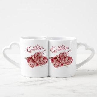 """El rosa y el blanco del """"calcetero"""" tejen a mano taza para parejas"""