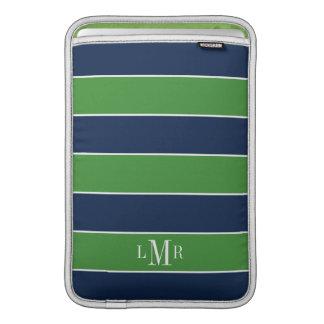 El rugbi verde y azul raya con monograma fundas macbook air