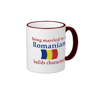 El rumano construye el carácter taza a dos colores